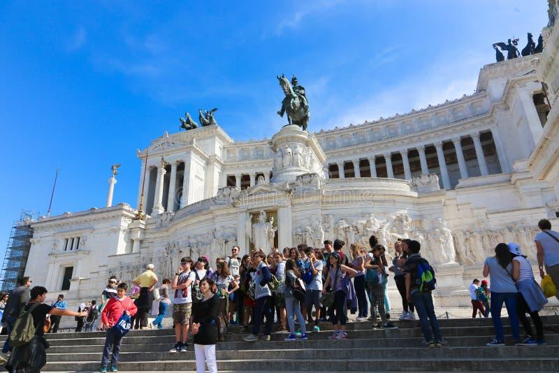 Paseo de la gente en Roma Italia fotos de archivo libres de regalías