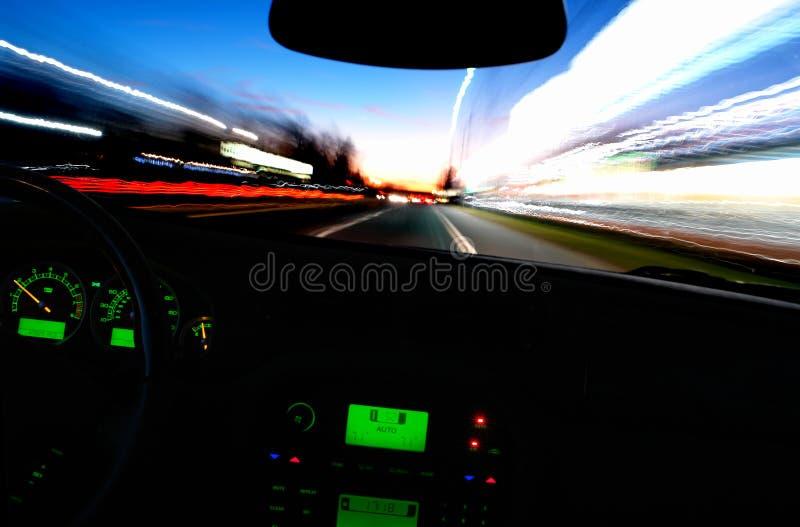 Paseo de la noche imagen de archivo libre de regalías