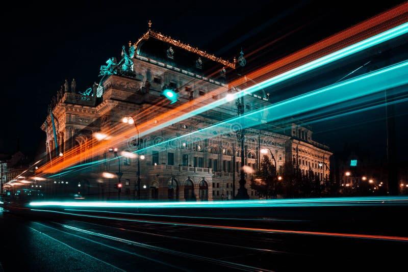 Paseo de la noche en la ciudad de Praga fotografía de archivo libre de regalías