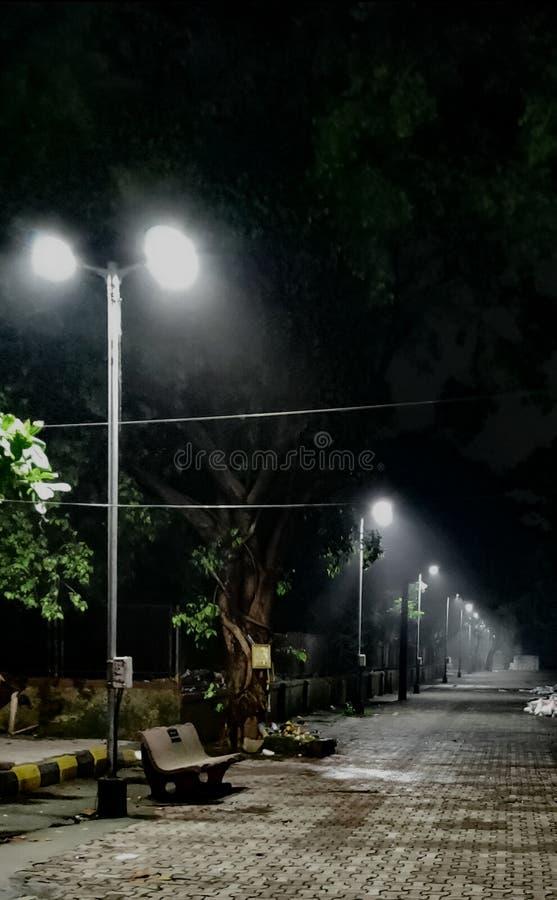 Paseo de la noche en el navi Bombay del parque foto de archivo