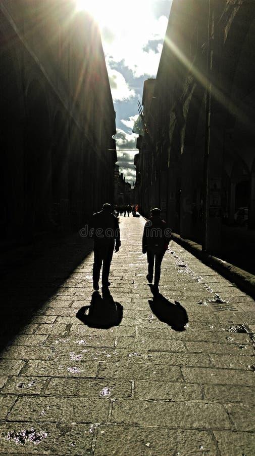 Paseo de las sombras imagen de archivo libre de regalías