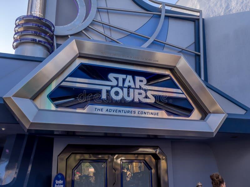 Paseo de los viajes de la estrella en Disneyland foto de archivo