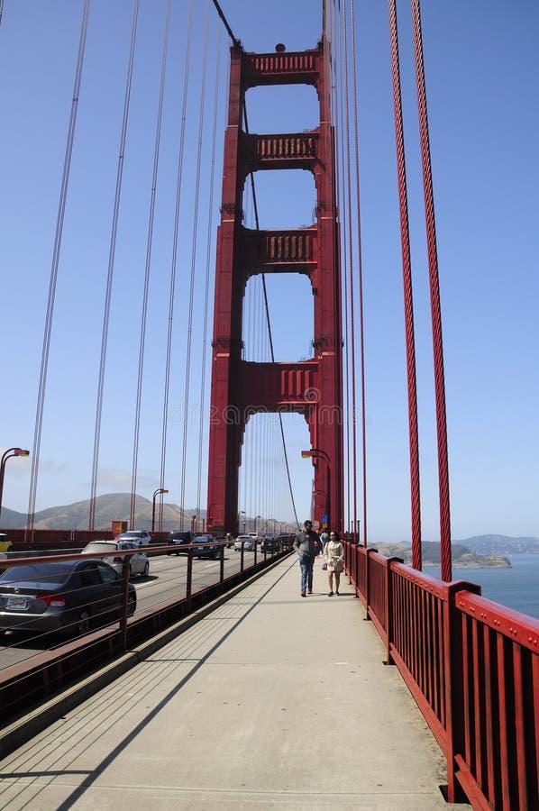 Paseo de puente Golden Gate imagen de archivo