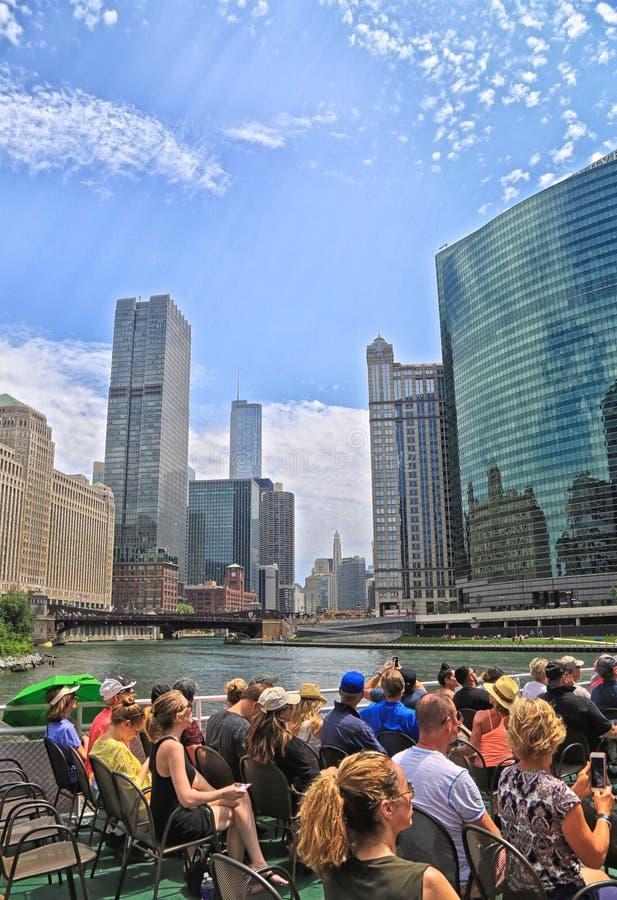 Paseo del barco de río de la arquitectura de Chicago foto de archivo libre de regalías