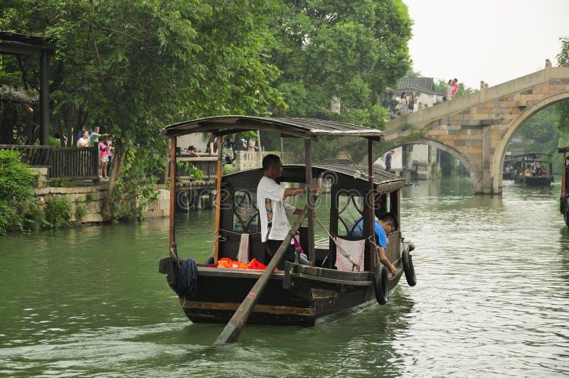 Paseo del barco de Wuzhen China foto de archivo