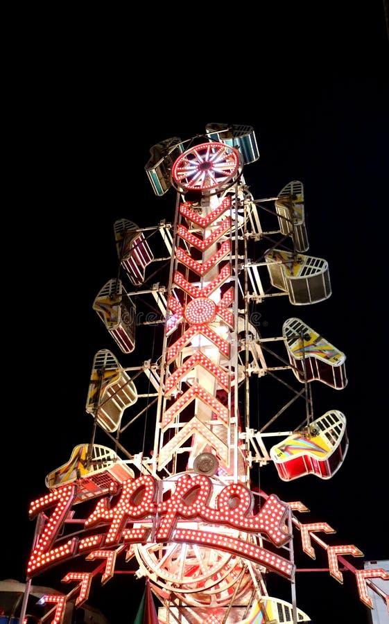 Paseo del carnaval de la cremallera imagenes de archivo