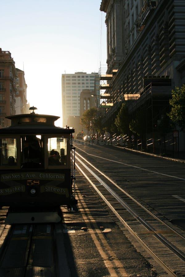 Paseo del teleférico en la puesta del sol imagen de archivo libre de regalías