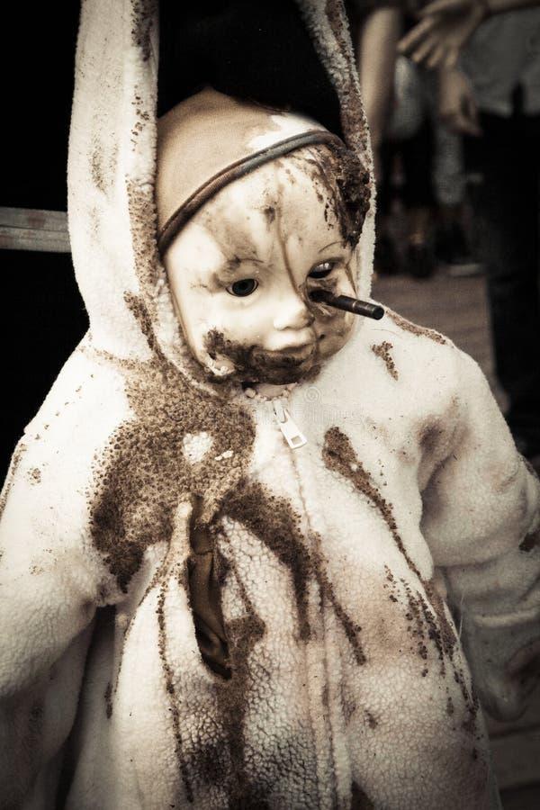 Paseo 2013 del zombi del parque de Asbury - muñeca asustadiza del zombi imágenes de archivo libres de regalías