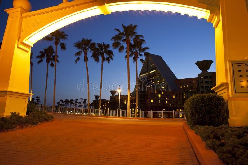 Paseo marítimo de Disney al centro turístico del delfín fotos de archivo libres de regalías