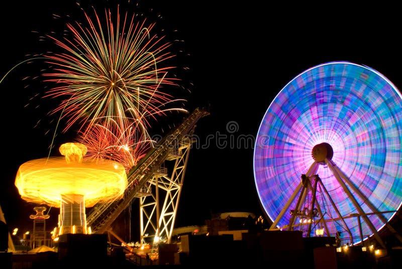Paseo y fuegos artificiales de la diversión fotografía de archivo libre de regalías