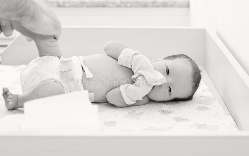 Pasgeboren baby in het moederschapsziekenhuis royalty-vrije stock afbeelding