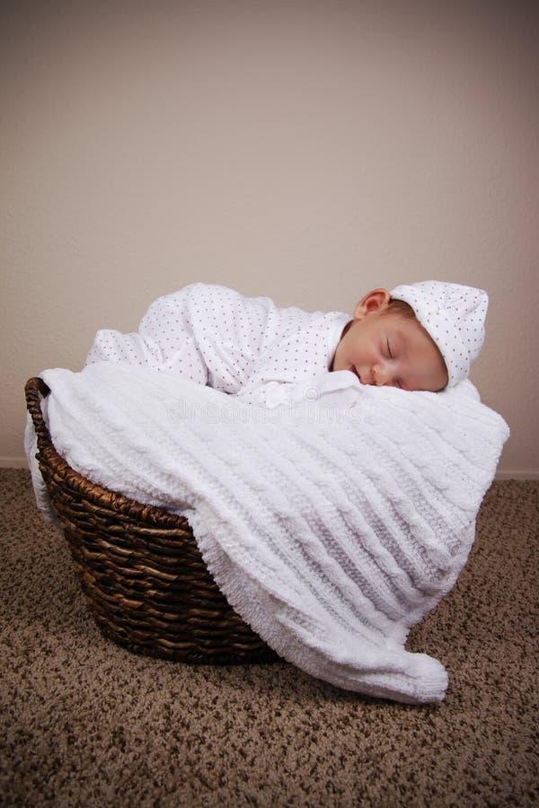Pasgeboren babyjongen stock afbeelding