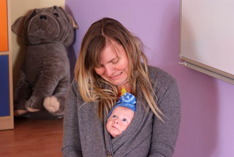 Pasgeboren in kinderdagverblijf royalty-vrije stock foto's