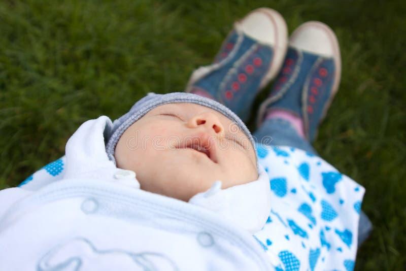 Pasgeboren slaapkind royalty-vrije stock fotografie