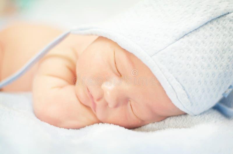 Pasgeboren slapen royalty-vrije stock afbeelding