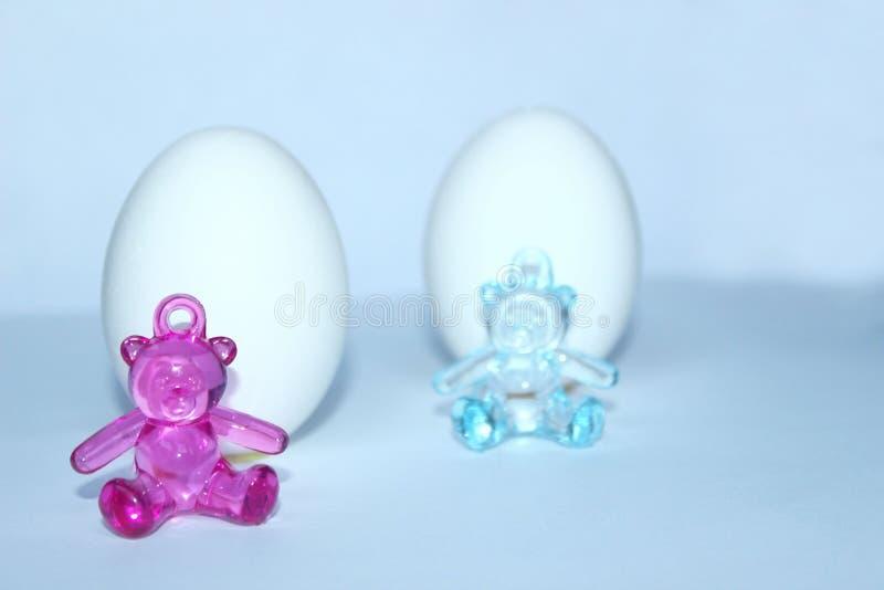 Pasgeborenen, Pasen-Vakantieconcept met Eieren en Speelgoed royalty-vrije stock afbeeldingen