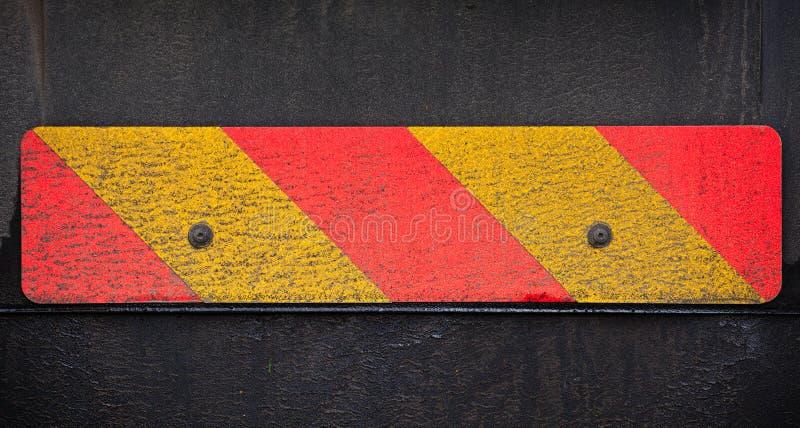 Pasiasty znak na plecy ciężarówka obraz stock