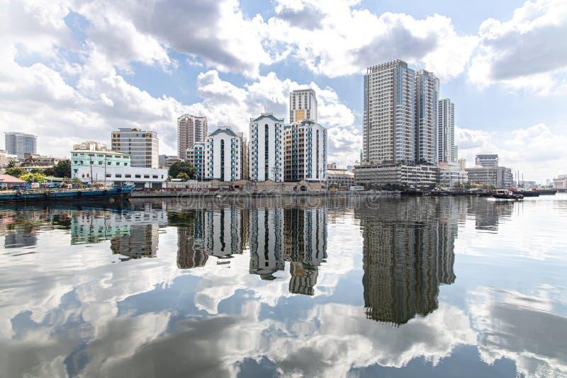 Pasig flodsikt från fortSantiago på Intramuros, Manila, Filippinerna, Juni 9,2019 arkivbilder