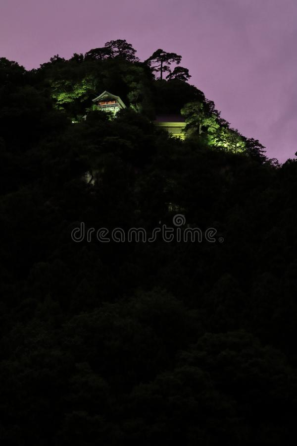 Pasillo de Godai y pasillo del ` s del fundador de la escena de la noche de Yamadera del ji de Risshaku fotos de archivo
