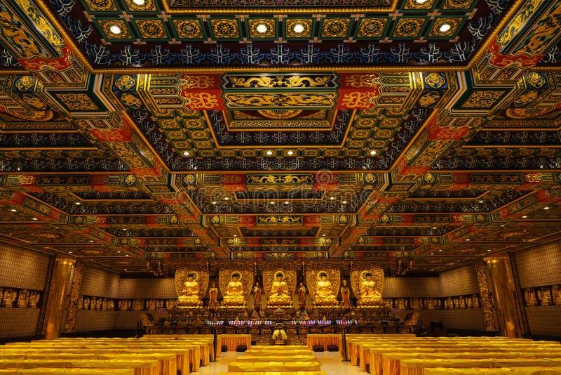 Pasillo de mil Buddhas imagenes de archivo