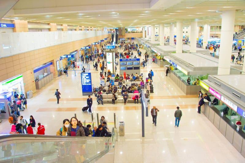Pasillo del aeropuerto de Shanghai Pudong, China imágenes de archivo libres de regalías