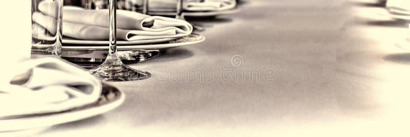 Pasillo del banquete en el restaurante Concepto: Servicio Boda del aniversario de la celebración imagenes de archivo