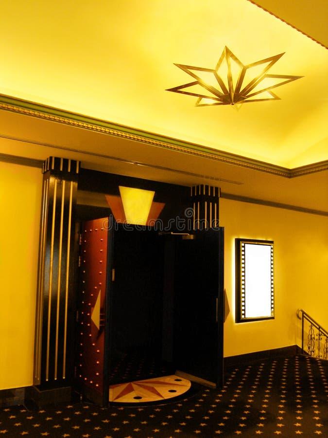 Pasillo del cine con el cartel vacío fotografía de archivo libre de regalías