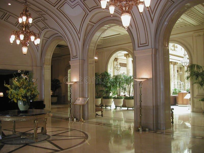 Pasillo del hotel del palacio en SF, CA foto de archivo