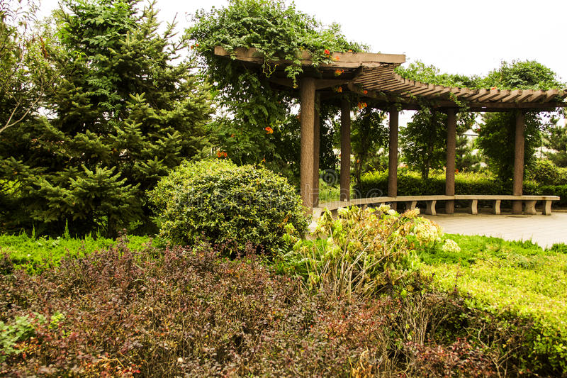 Pasillo del jardín fotos de archivo