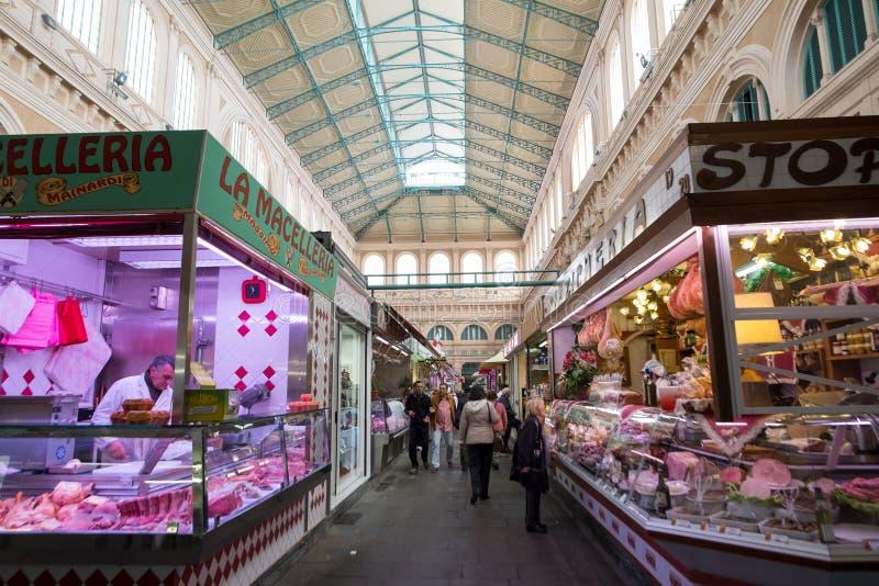 Pasillo del mercado en Livorno, Italia foto de archivo