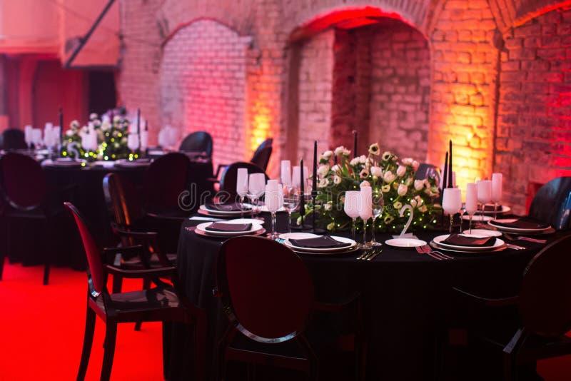 Pasillo elegante del banquete para un banquete de boda fotografía de archivo libre de regalías