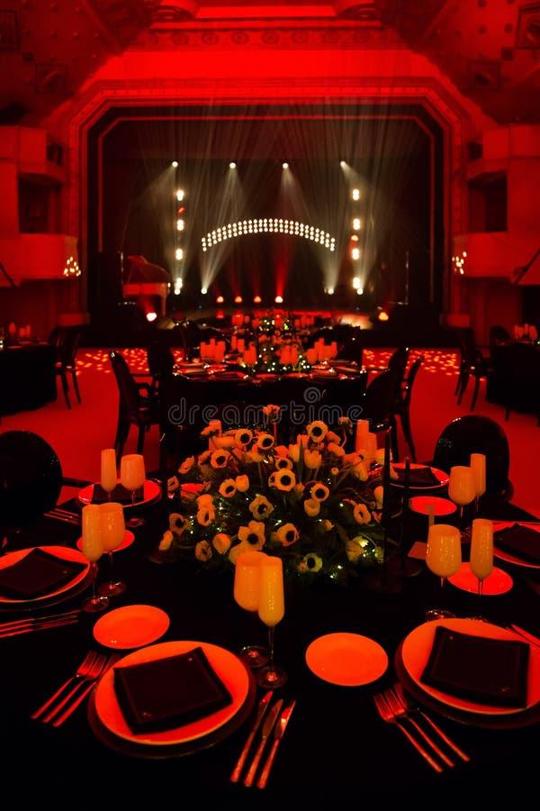 Pasillo elegante del banquete para un banquete de boda fotos de archivo