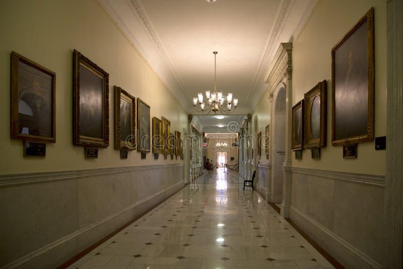 Pasillo en la casa total histórica del estado imagenes de archivo