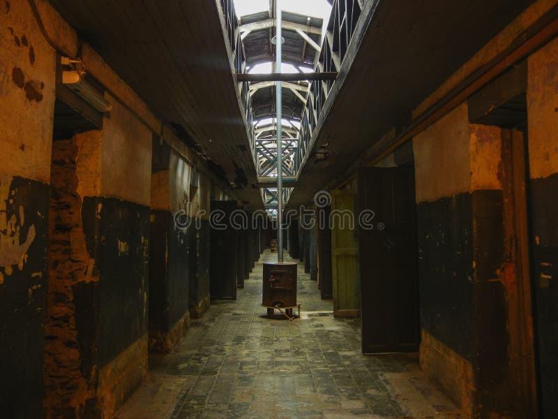Pasillo en una prisión situada en la Patagonia la Argentina del ushuaia fotografía de archivo libre de regalías