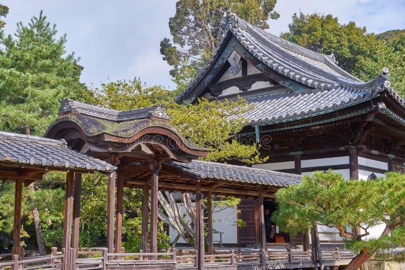 Pasillo histórico hermoso en la puerta delantera del templo del daiji del  de KÅ imagenes de archivo