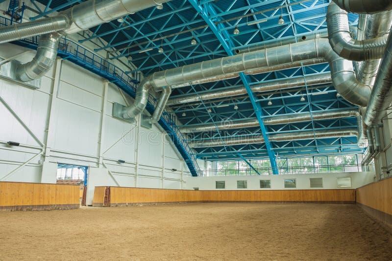 Pasillo interior del montar a caballo imagenes de archivo