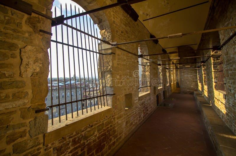 Pasillo largo a la torre de Palazzo Vecchio en Florencia, Tusca fotografía de archivo libre de regalías