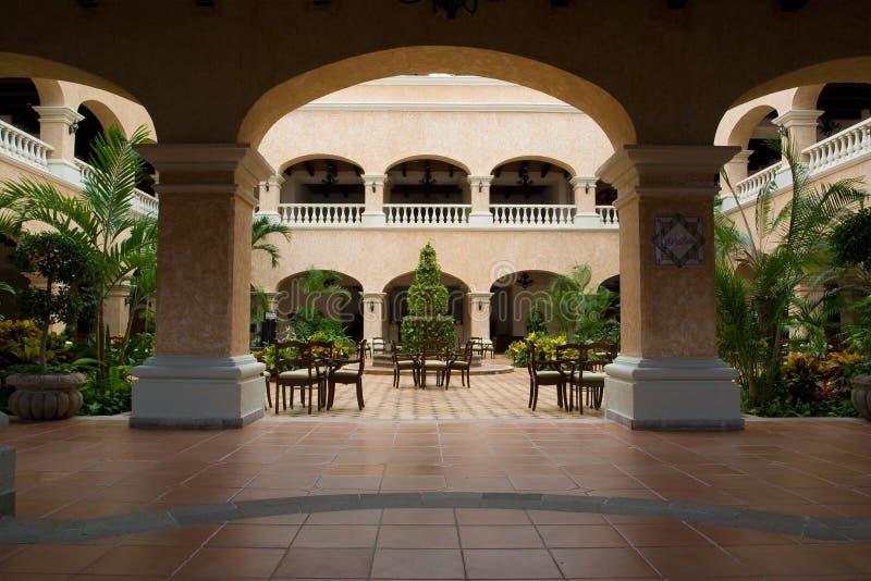 Pasillo mexicano del hotel fotos de archivo libres de regalías