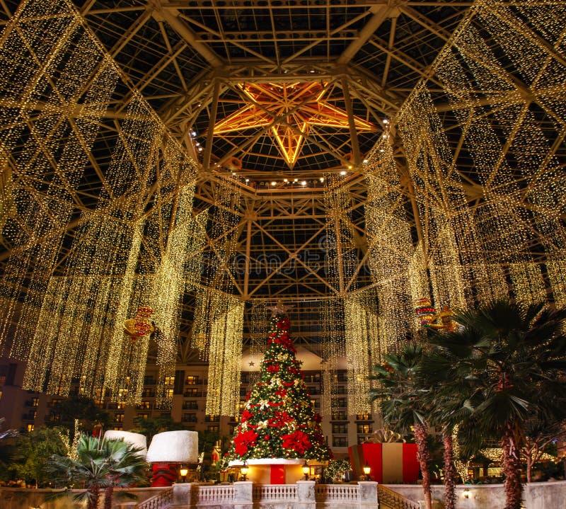 Pasillo principal en Gaylord Texan Resort, vid, Tejas, los E.E.U.U. Diciembre, 7 2012 imagenes de archivo