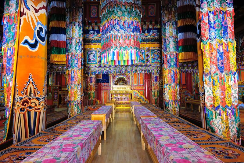 Pasillo tibetano de la escritura del templo fotografía de archivo libre de regalías