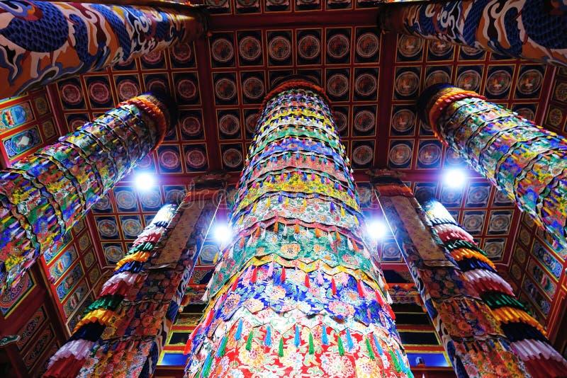 Pasillo tibetano de la escritura del templo imágenes de archivo libres de regalías