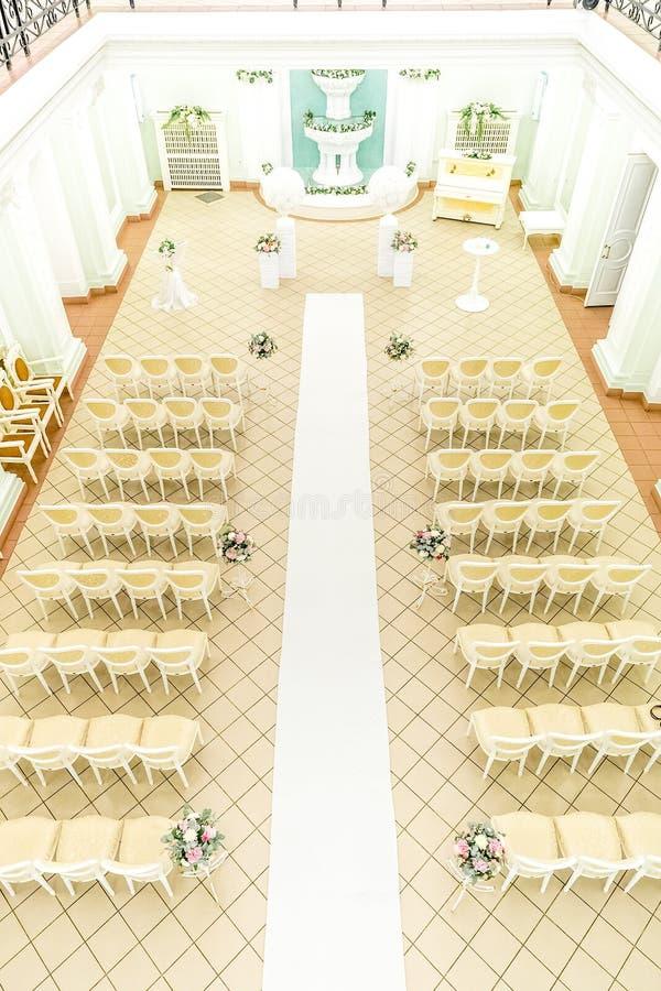 Pasillo vacío para las ceremonias de boda fotos de archivo