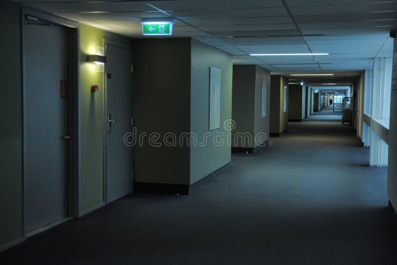 Pasillos en el hotel foto de archivo