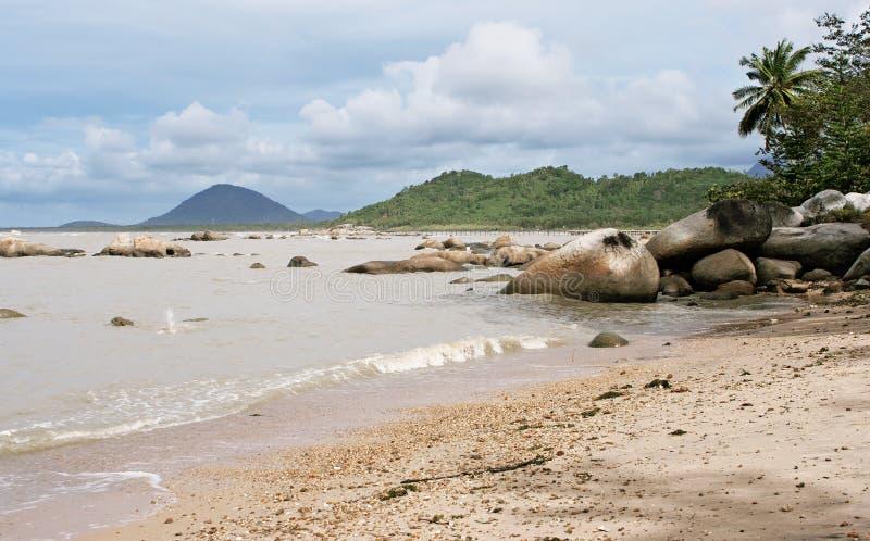 Pasir Panjang strand, Kalimantan royaltyfria foton