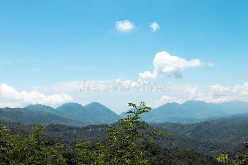 Pasmo Górskie w Taitung, Tajwan obrazy royalty free