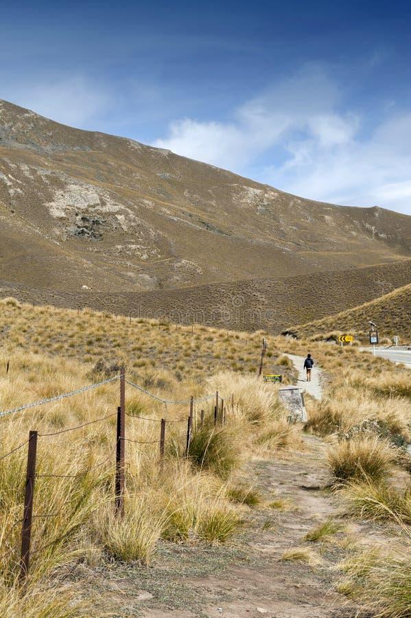 Paso que miente entre los valles del Lindis y los ríos de Ahuriri, isla del sur de Lindis de Nueva Zelanda foto de archivo libre de regalías