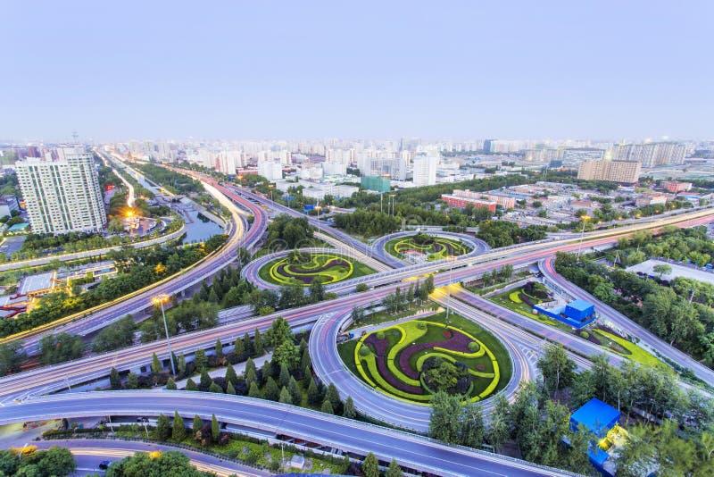 Paso superior de Pekín en la noche imágenes de archivo libres de regalías