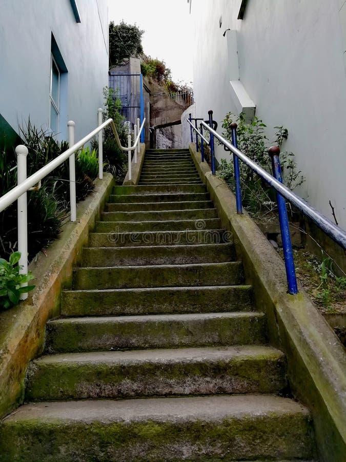 Pasos al top de la colina fotografía de archivo libre de regalías