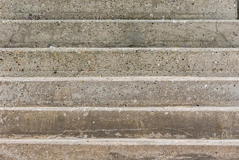 Pasos concretos Primer abstracto Imagen conceptual de una subida dura foto de archivo