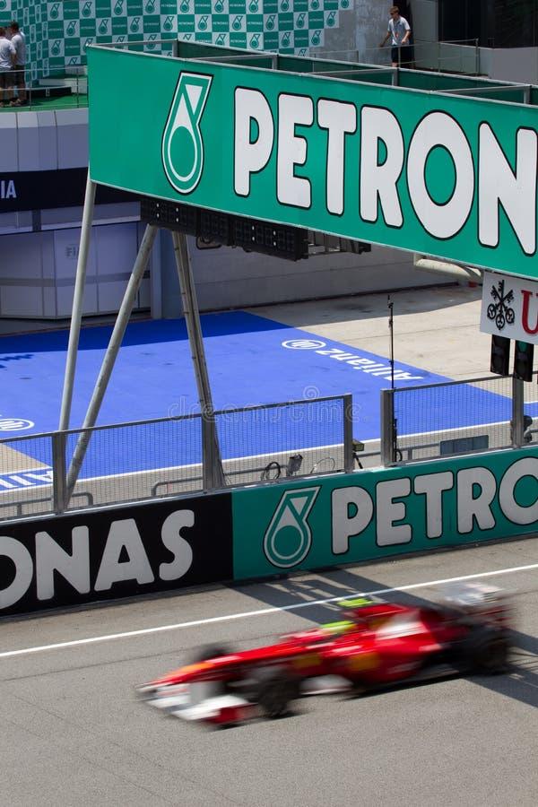 Pasos de Felipe Massa el soporte del podium imágenes de archivo libres de regalías